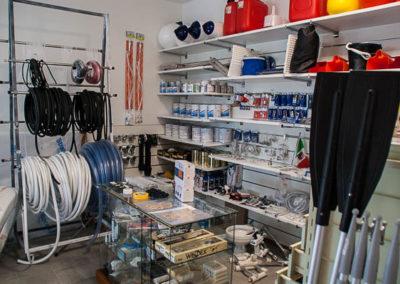 negozio accessori nautici Marina Timavo